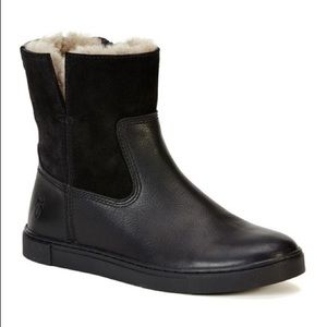 FRYE Gemma short shearling lined black boots 6.5